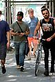 justin theroux steps out in a spring breakers movie t shirt 03