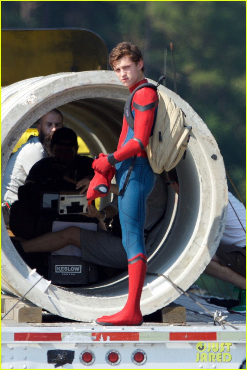tom holland spider man costume first look set 23