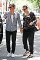 liv tyler strolls with fiance 17