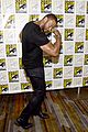 stephen amell emily bett rickards arrow panel comic con 20