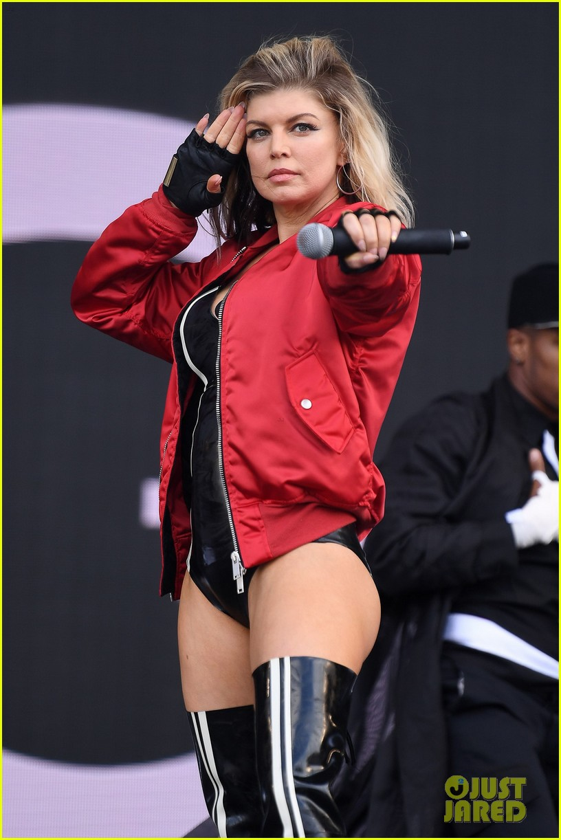 Fergie Struts Her Stuff for Wireless Festival in London!: Photo ...