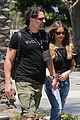 joe manganiello sofia vergara hold hands crossfit 01