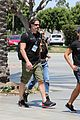 joe manganiello sofia vergara hold hands crossfit 14