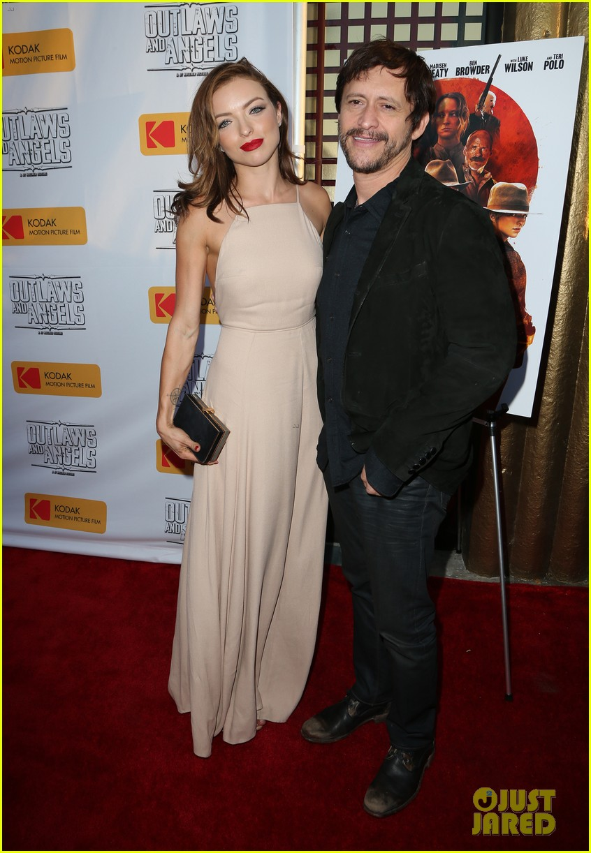 chad michael murray gets support from awesome wife sarah roemer at outlaws angels 013705239