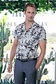 alexander skarsgard smiles away for tarzan photo call in brazil 05