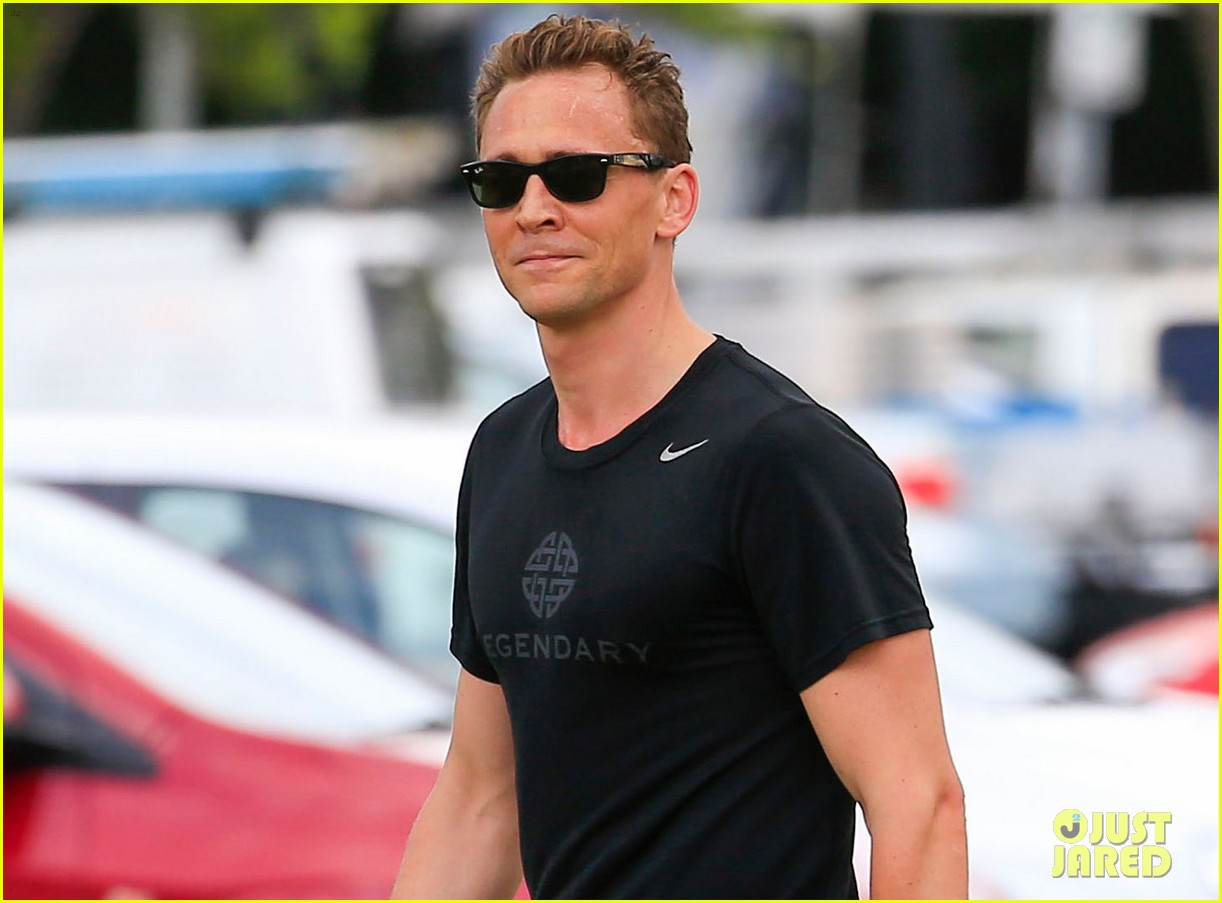 tom hiddleston goes for a jog after first interview about taylor tom hiddleston goes for a jog after first interview about taylor swift
