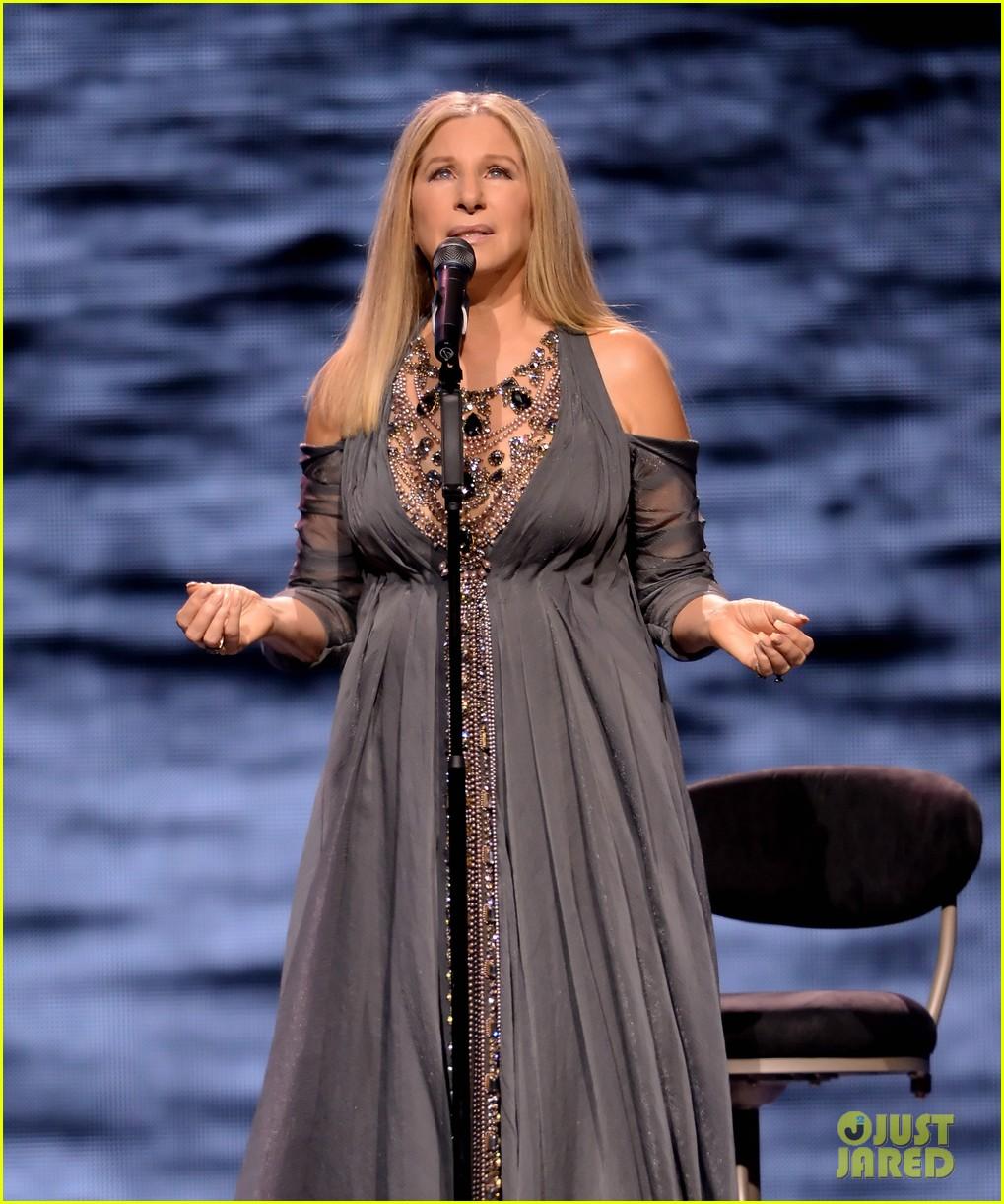 Barbra Streisand Kicks Off Tour In Los Angeles Photo