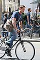 gerard butler bikes in london 04