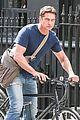 gerard butler bikes in london 07