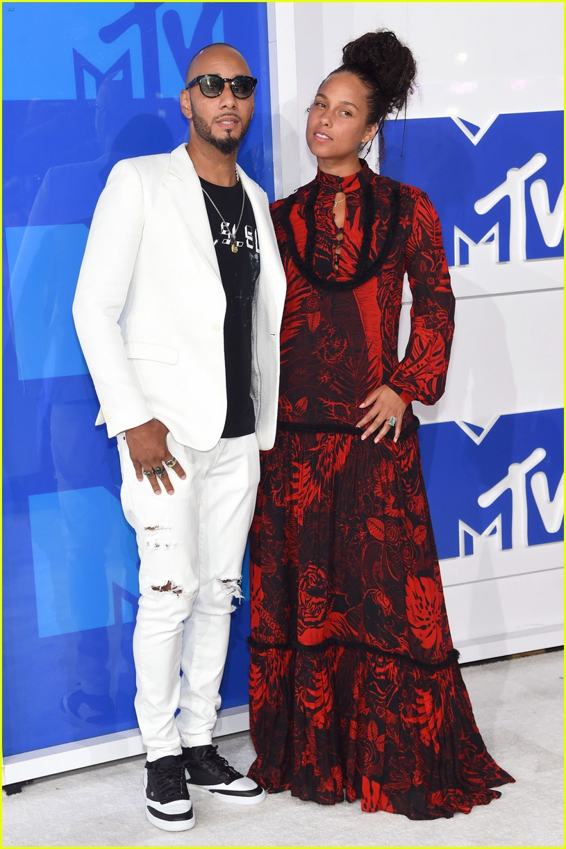 Alicia Keys & Swizz Beatz - 2016 MTV Video Music Awards