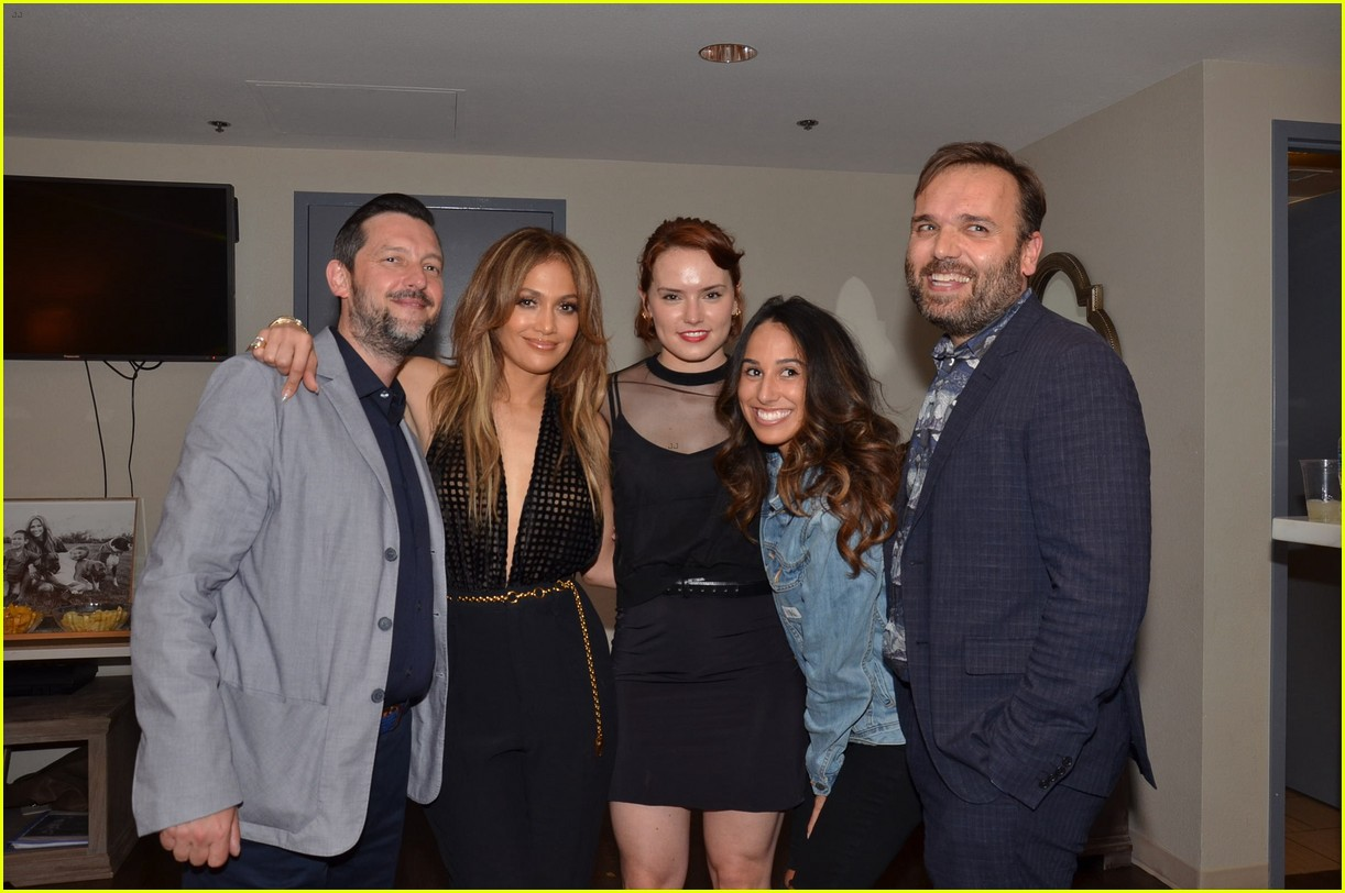 Jennifer lopez joined by casper smart ex marc anthony at vegas jennifer lopez joined by casper smart ex marc anthony at vegas show photo 3734635 bethany frankel casper smart daisy ridley drew barrymore m4hsunfo