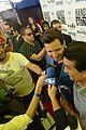edgar ramirez helps give boxer roberto duran miamis key to the city 14