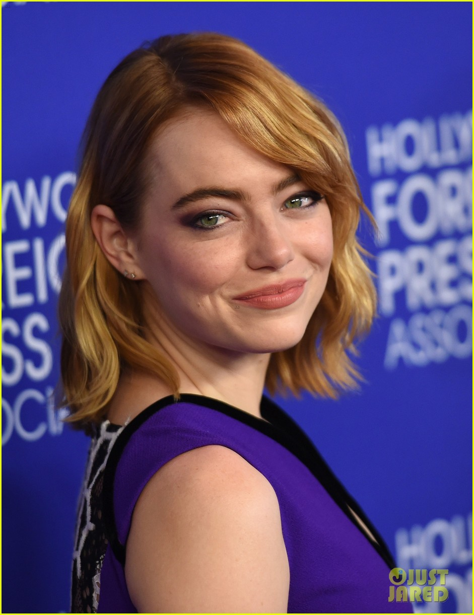 Emma Stone & Gina Rodriguez Glam Up for HFPA Banquet ... Emma Stone Ring