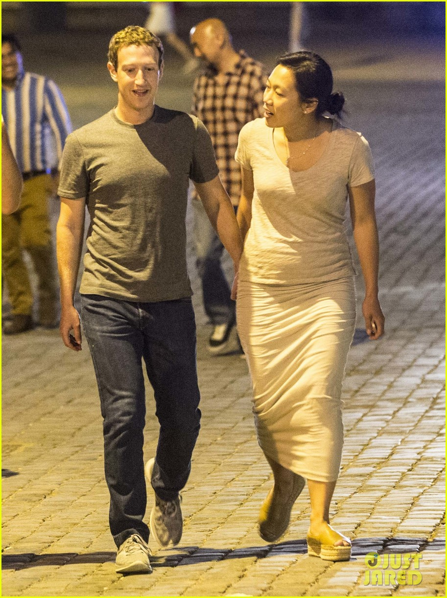 Mark Zuckerberg & Wife Priscilla Tour Rome After Meeting