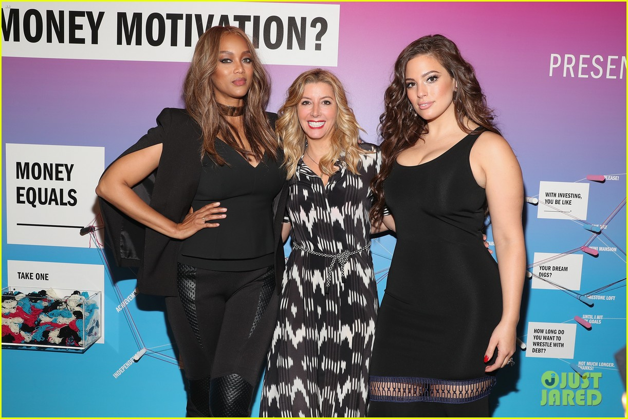 tyra banks and ashley graham share their wisdom at comos fun fearless money event 013768915