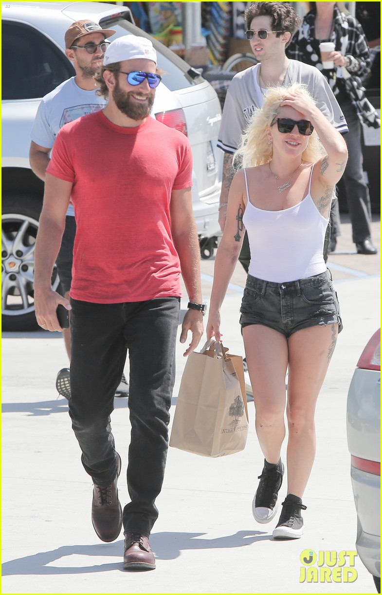 ... !: Photo 3749486 | Bradley Cooper, Lady Gaga Pictures | Just Jared