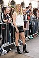 ellie goulding pulls double duty during london fashion week 01
