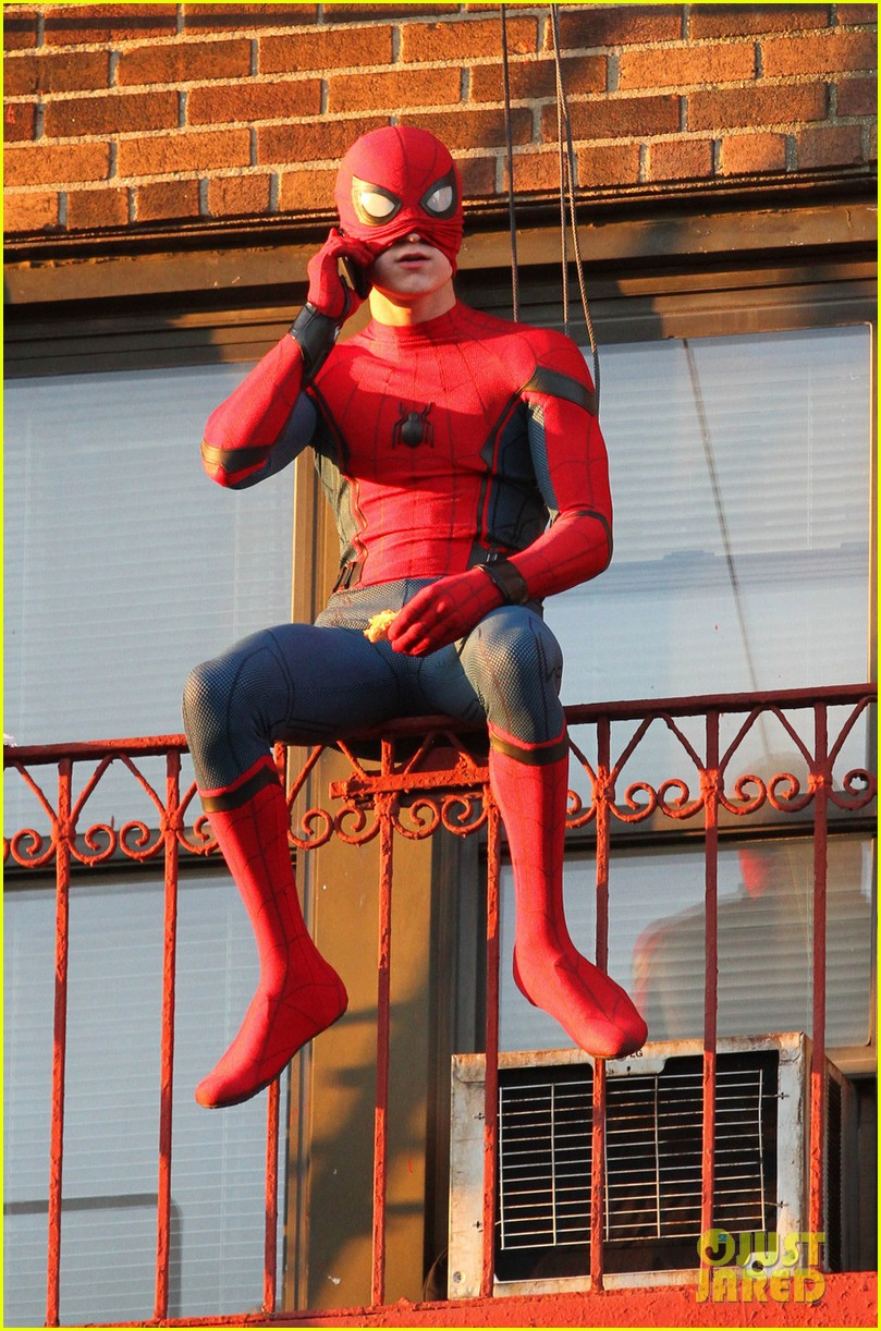 Tom Holland Performs His Own 'Spider-Man' Stunts on NYC