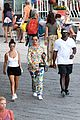 kourtney kardashian kris jenner capri vacation 17