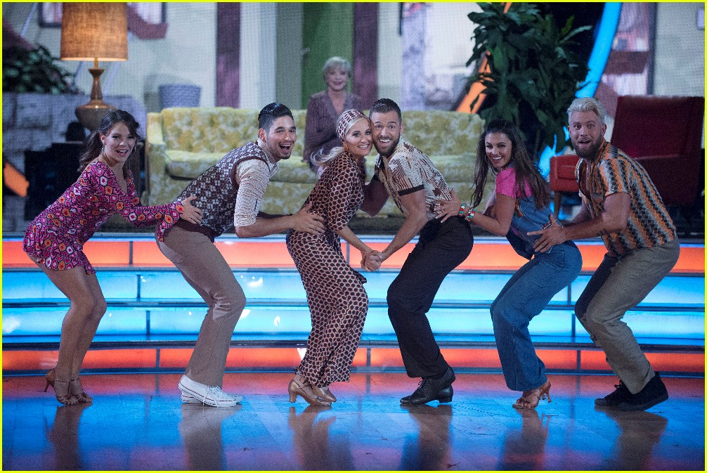 mauren mccormick dancing with the stars week two 033764849