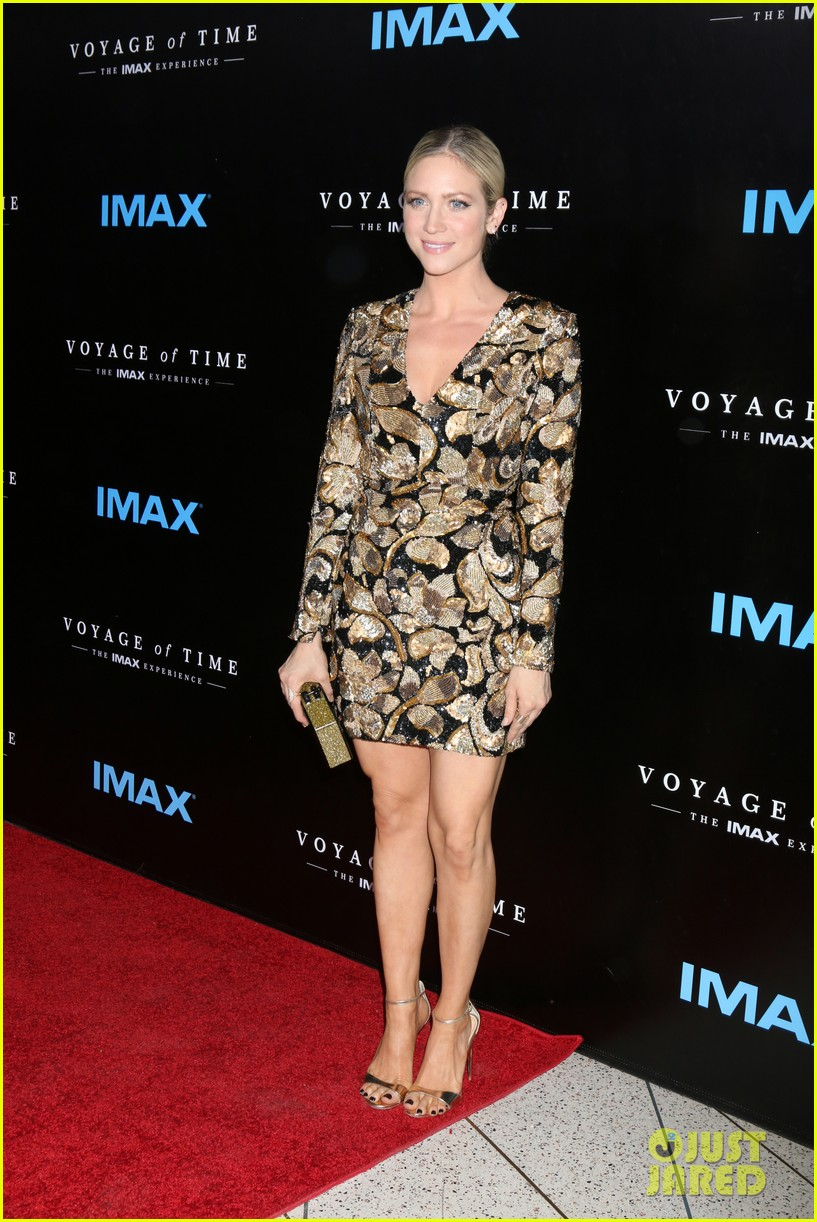 rachel mcadams brittany snow ashley greene step out for voyage of time the imax 043772998