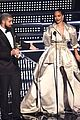 rihanna thanks drake for vmas speech 06