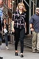 taylor swift ready for fall heads out in nyc 38