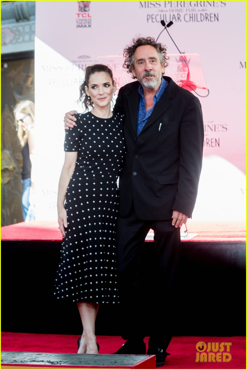 winona ryder attends tim burtons hand and footprint ceremony 043753797