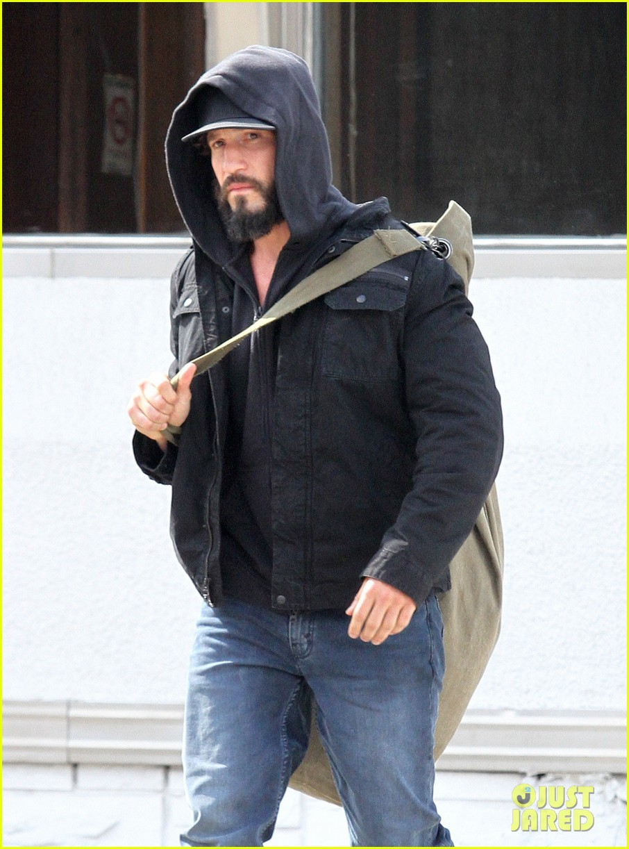 jon-bernthal-starts-filming-the-punisher-first-set-photos-11.jpg