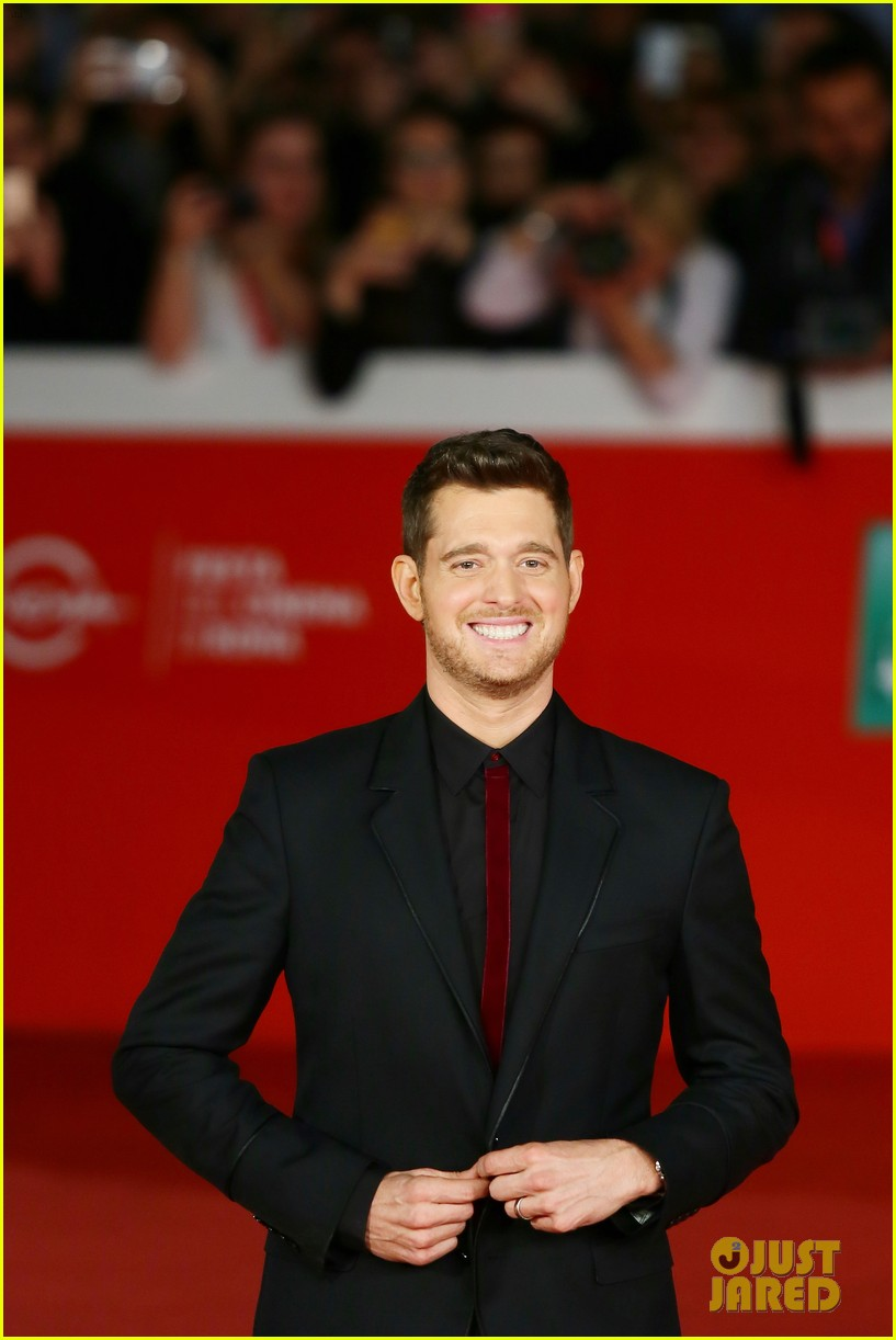 michael buble debuts official nobody but me music video 073787401