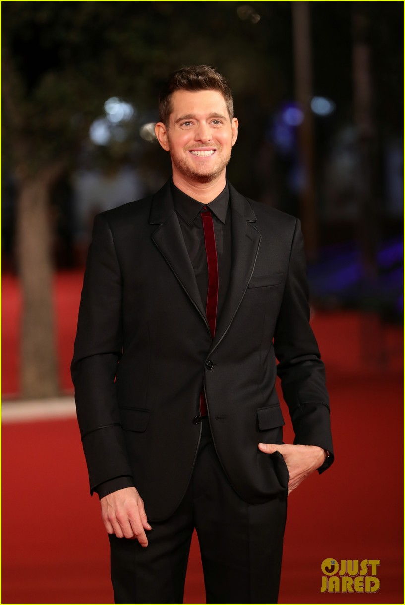 michael buble debuts official nobody but me music video 113787405