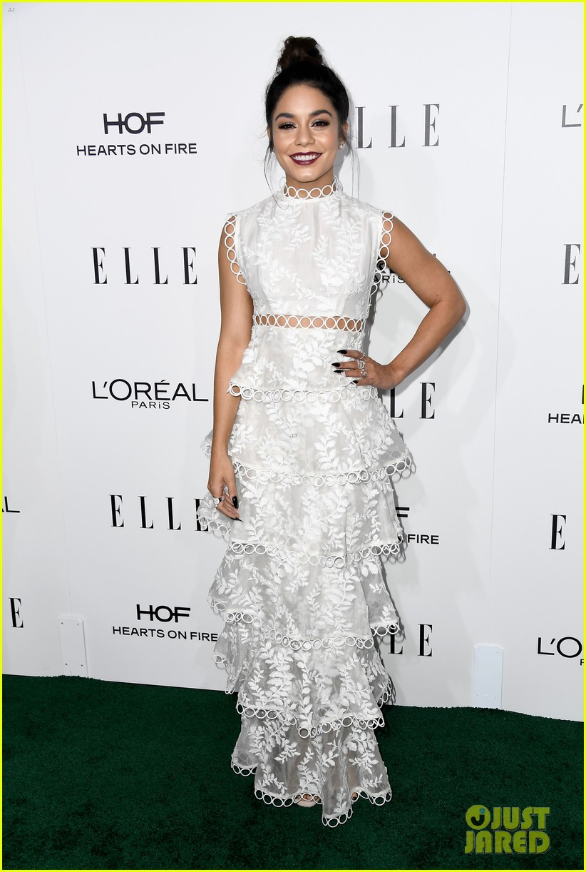 felicity jones and aja naomi king honored at elle women in hollywood awards3 043792872