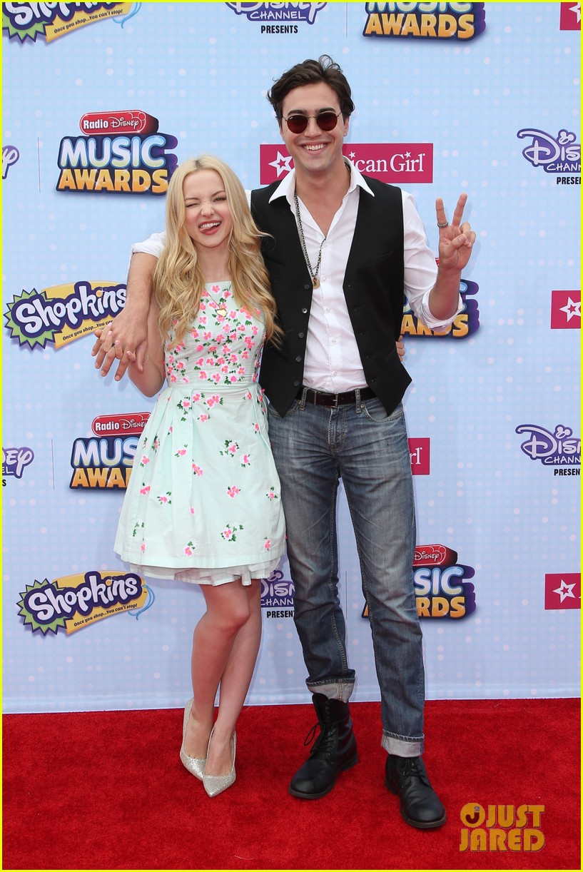 dove cameron u ryan mccartan call off engagement confirm split after four years together photo dove cameron ryan mccartan split pictures