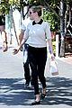 kate upton justin verlander lunch hold hands 35
