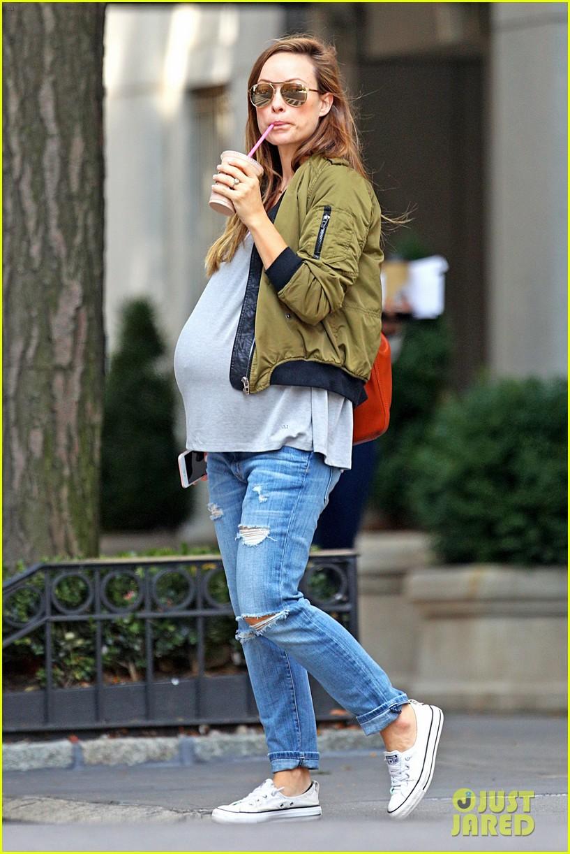 Pregnant Olivia Wilde's Baby Bump is Getting Bigger ... Kim Cattrall Boyfriend