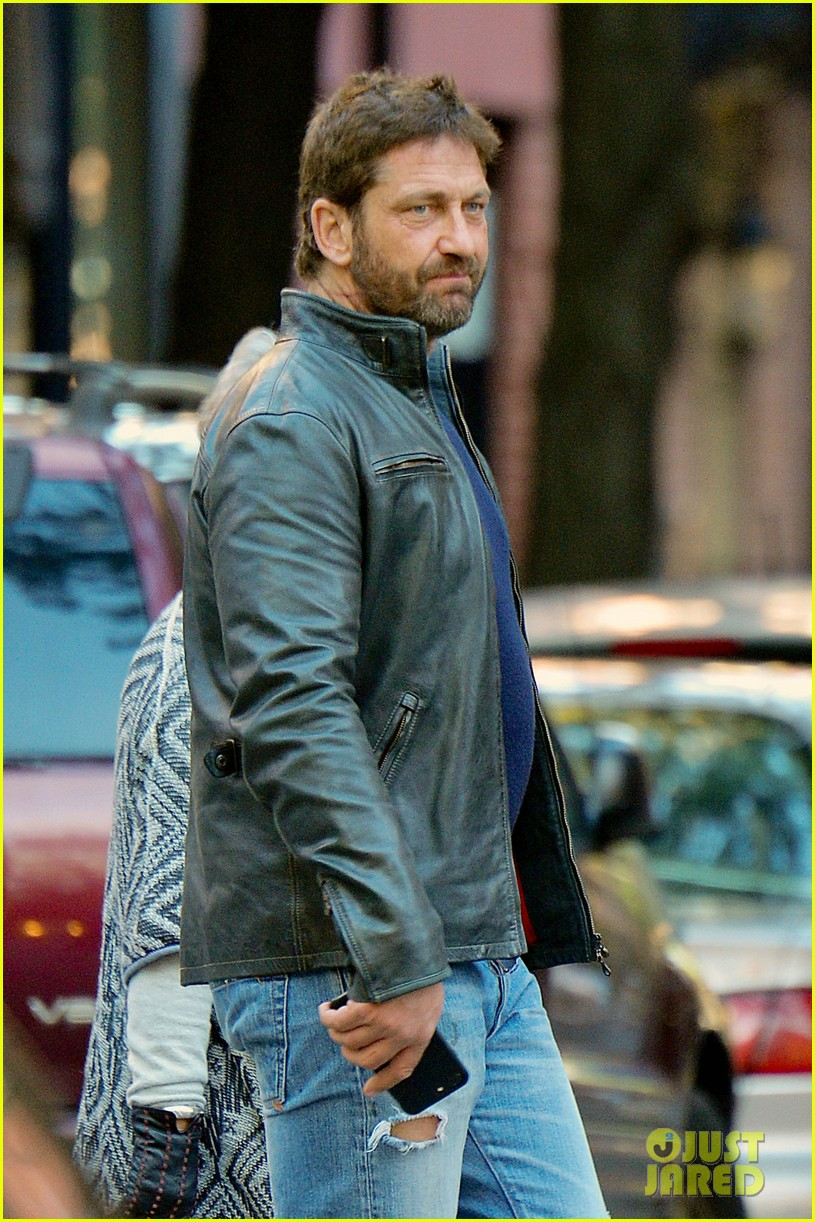 Gerry in NYC - November 2016 | Weirdly Obsessive Gerard ... Gerard Butler 2016