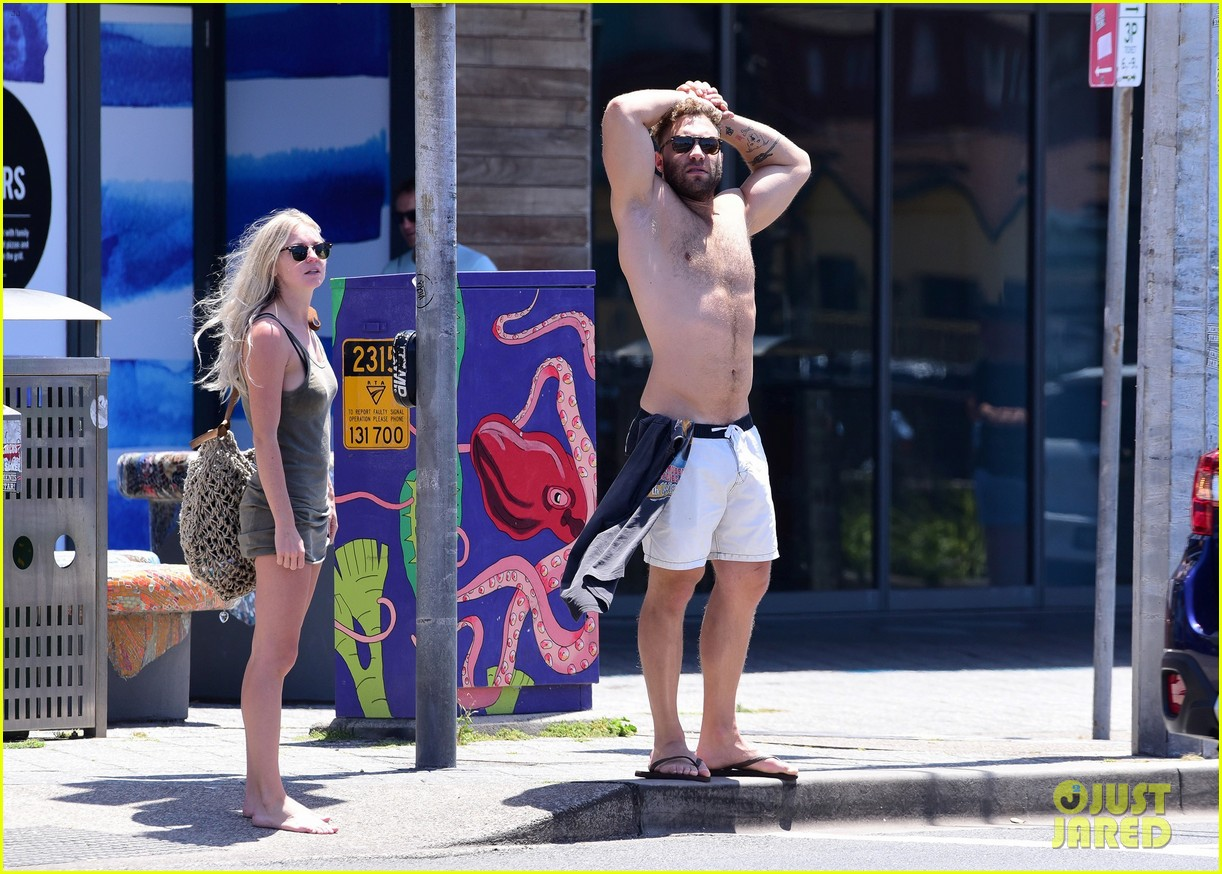 jai courtney looks so hot while shirtless with girlfriend mecki dent 043817484