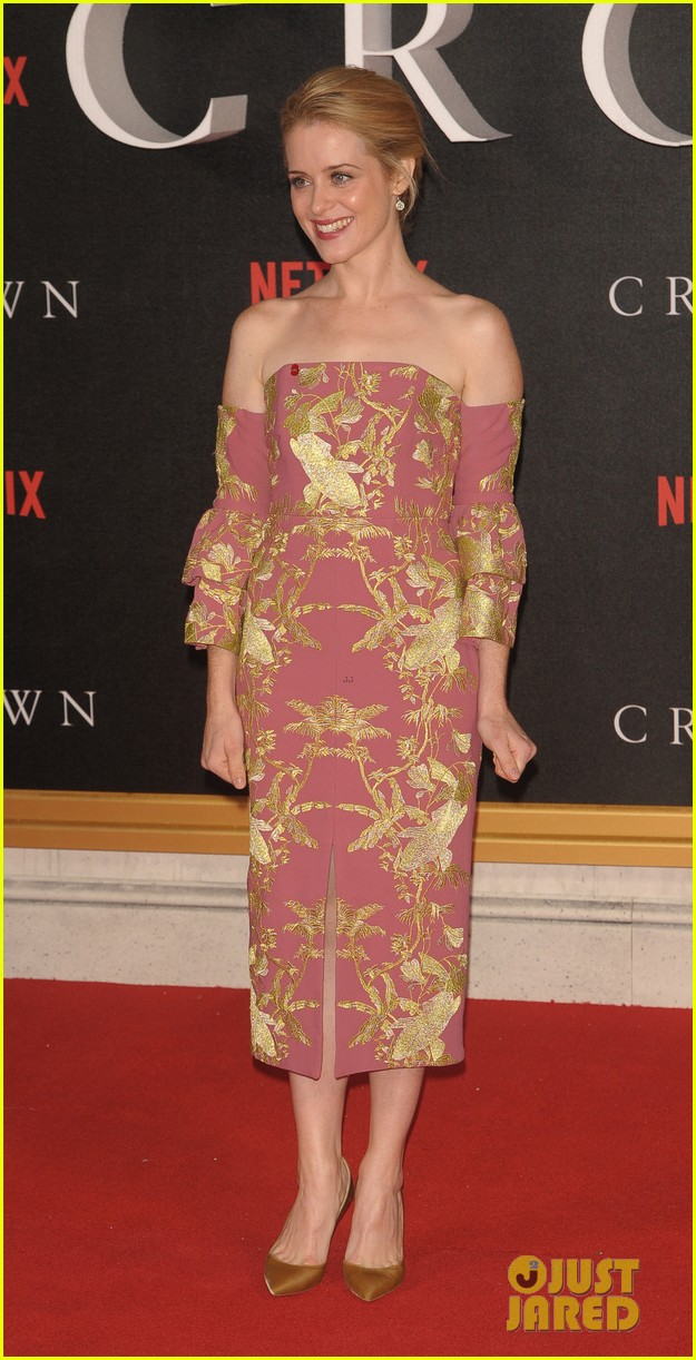 Matt smith claire foy premiere 39 the crown 39 in london for Mariah carey jewelry line claire s