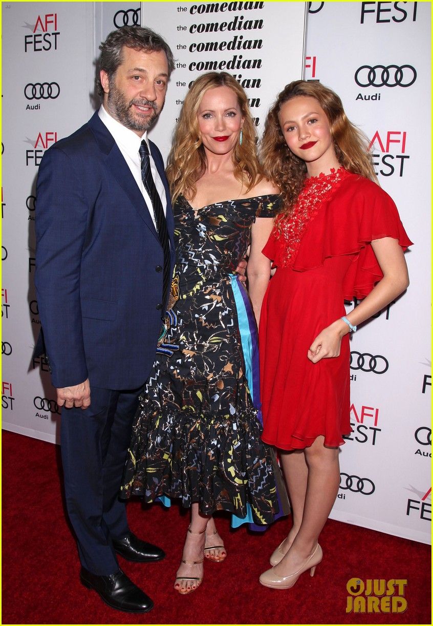 helen mirren supports her husband at his afi movie premiere 033807004