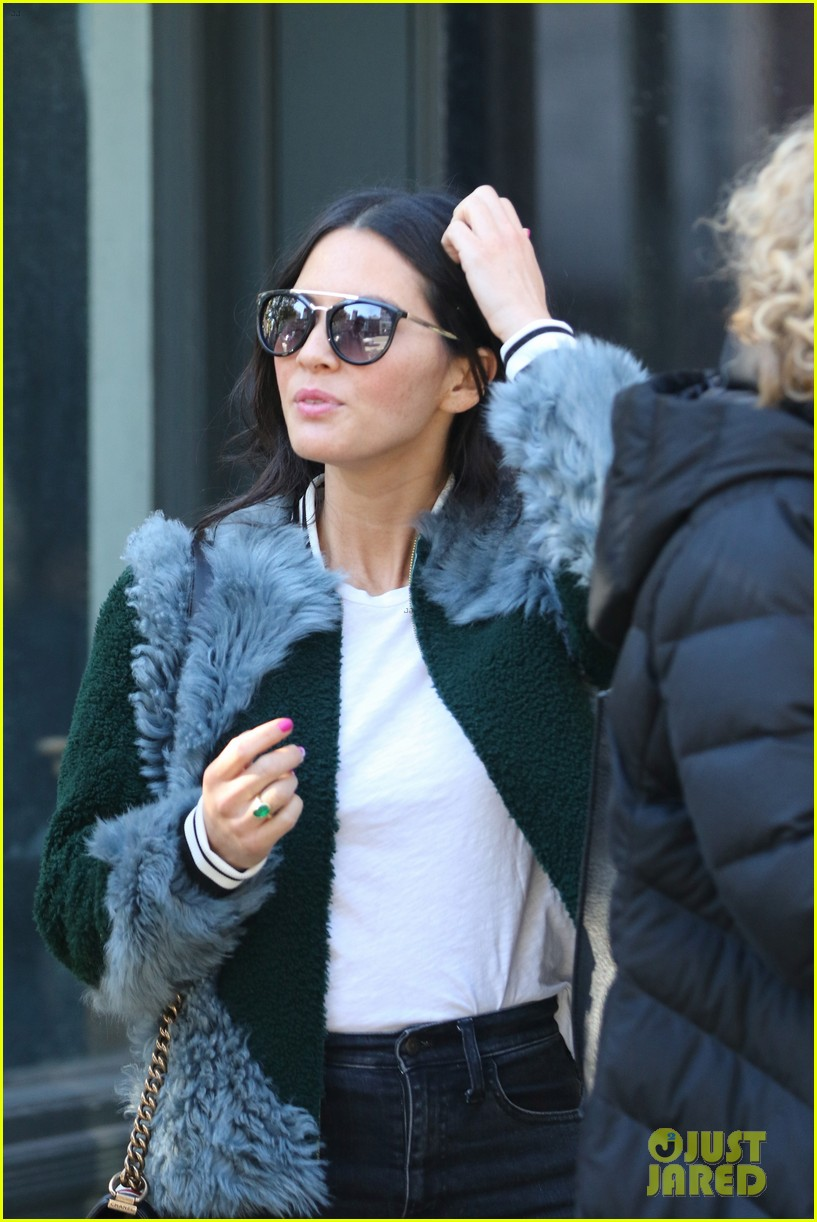 olivia munn runs into designer michael kors while voting in nyc 033804788