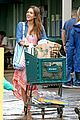 jessica alba stocks up on fireworks for new years eve in hawaii 08