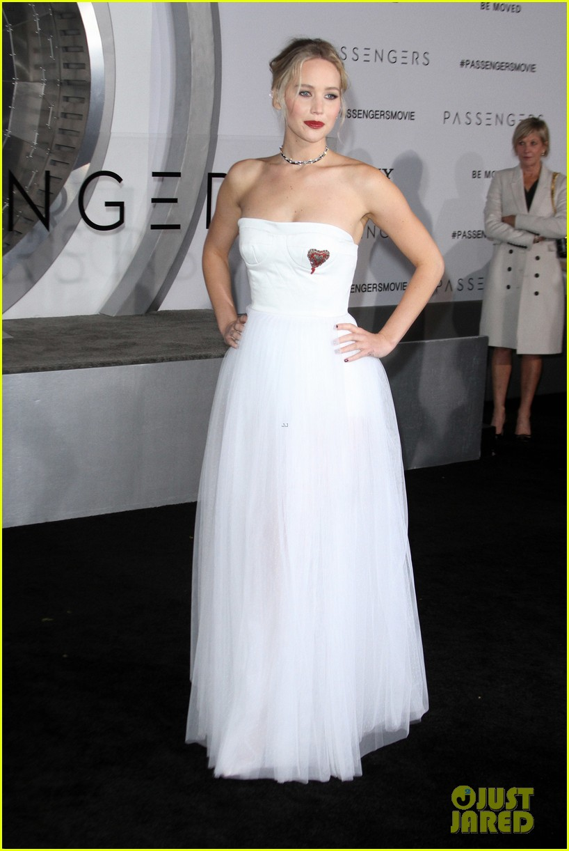 jennifer lawrence passengers premiere los angeles 013828371