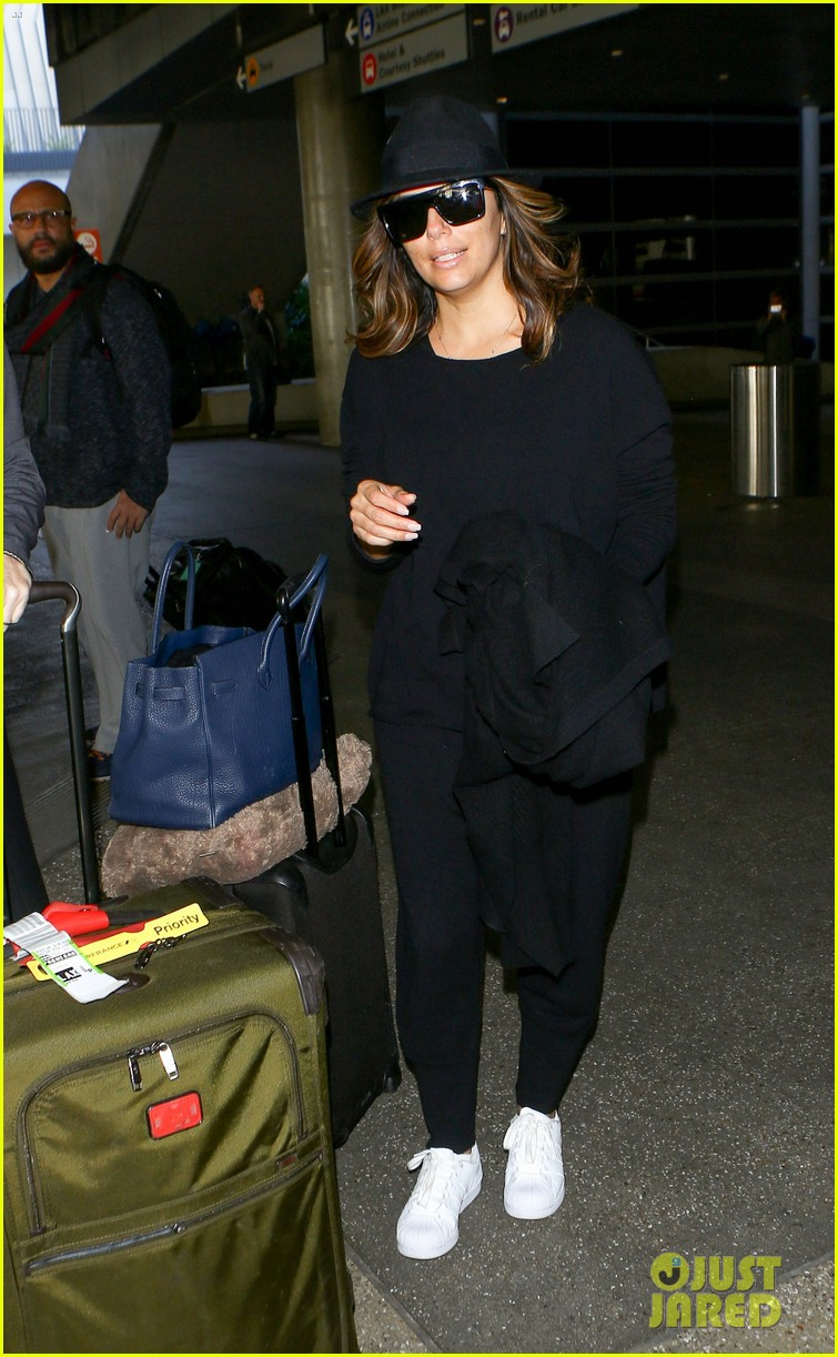 About Photo #3829721: Eva Longoria looked so stunning for her girls night out in Paris last night! The 41-year-old actress and businesswoman stepped out with models Doutzen Kroes and… Read More Here