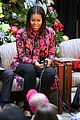 michelle obama and ryan seacrest read christmas classics at childrens hospital 07