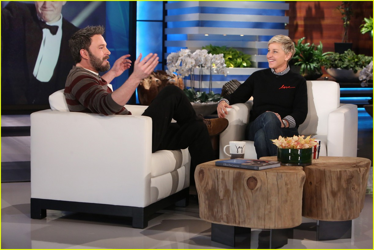 ben affleck tries to name three taylor swift songs 023840402