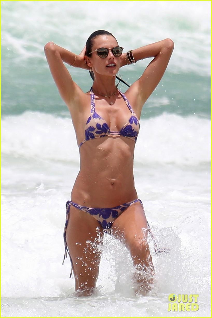 alessandra ambrosio makes a splash in another sexy bikini 013842098
