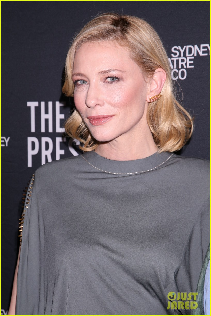 cate blanchett makes broadway debut with the present 063840178