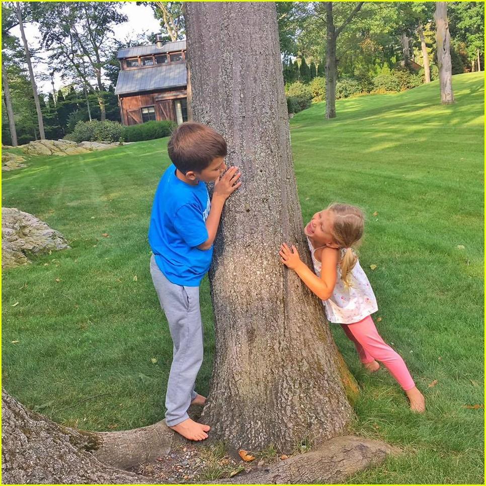 ... wife gisele bundchen family photos 04   Photo 3850644   Just Jared