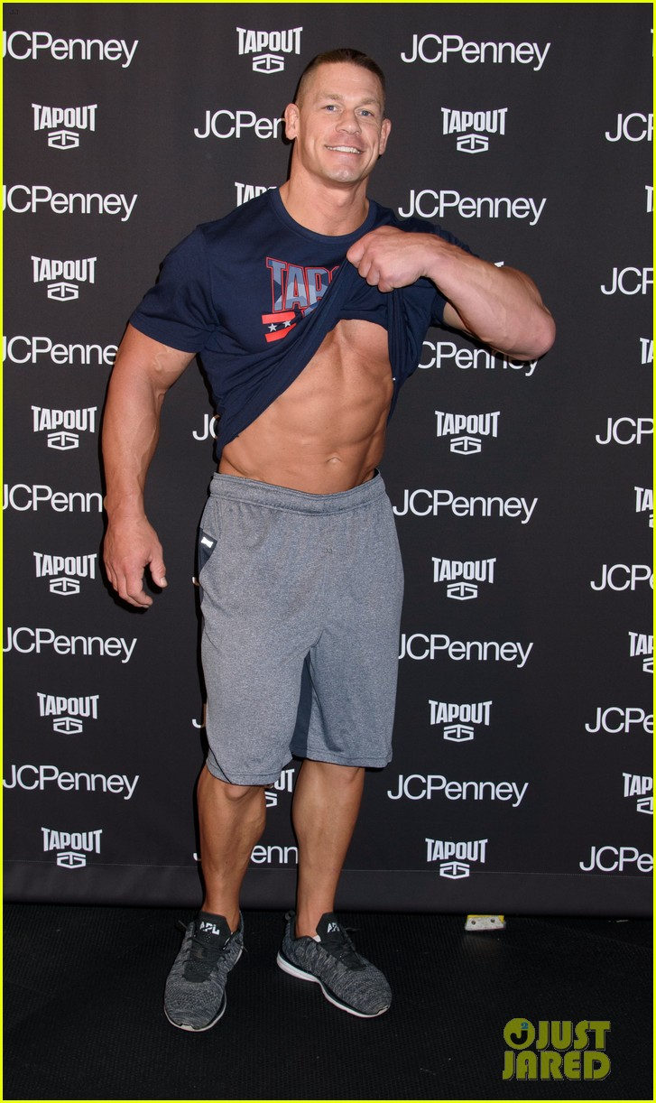 john-cena-flashes-his-rock-hard-abs-and-bulging-biceps-06.jpg
