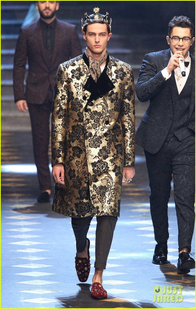5f93279f Lucky Blue Smith, Sofia Richie, & Cameron Dallas Walk Doce&Gabbana Milan  Runway: Photo 3842900   Austin Mahone, Avan Jogia, Brandon Lee, Cameron  Dallas, ...